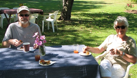 Bill and Waltraud enjoy refreshments at the end of our tour